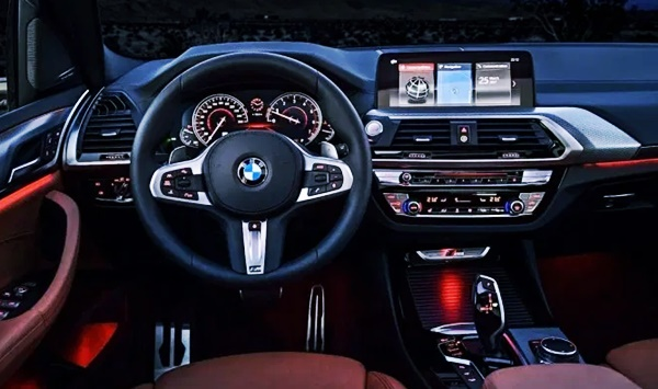 2022 BMW X3 интерьер